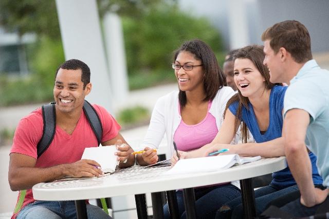 駐在員と留学生の出会い