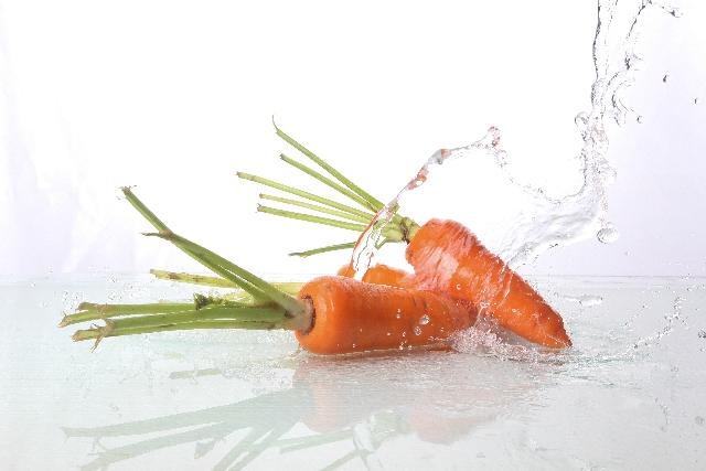 中国で野菜を洗う